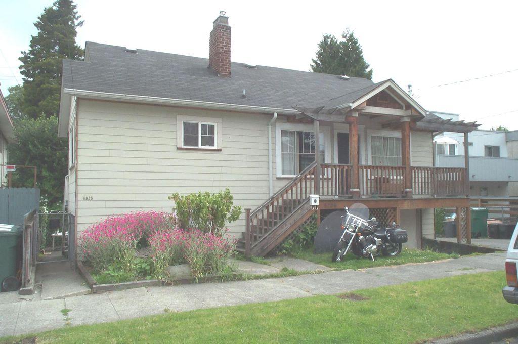 6526 5th Ave NE, Seattle, WA 98115
