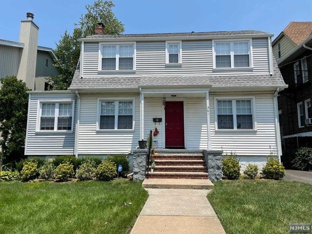 361 Slocum Way, Fort Lee, NJ 07024