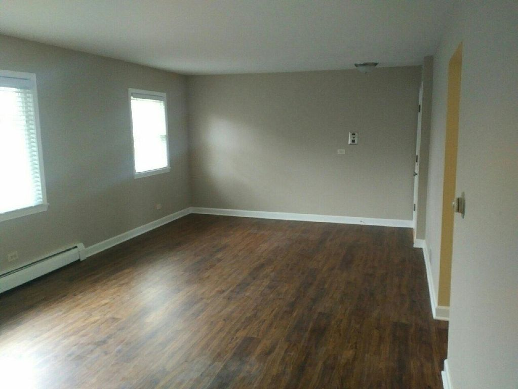 956 Shermer Rd, Glenview, IL 60025