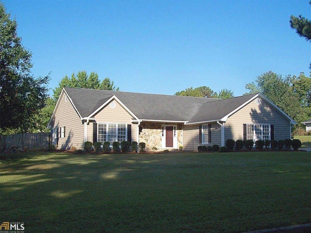100 Spring Creek Ct, Fayetteville, GA 30215
