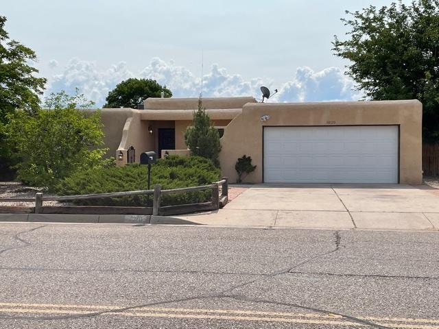 10120 La Paz Dr NW, Albuquerque, NM 87114