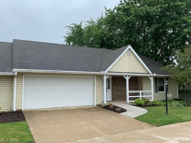 174 Park Place Dr, Wadsworth, OH 44281