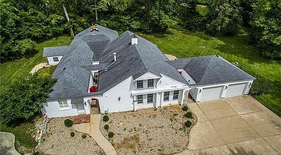 13600 Clayton Rd, Chesterfield, MO 63017