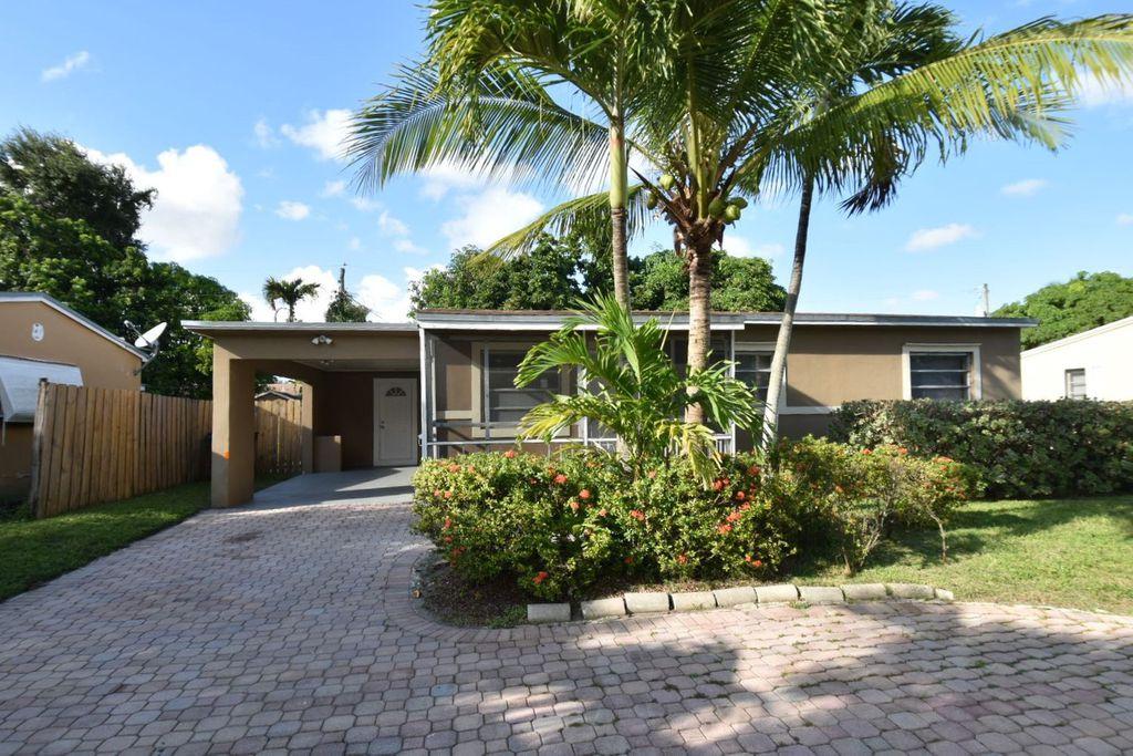 231 NE 169th St, Miami, FL 33162