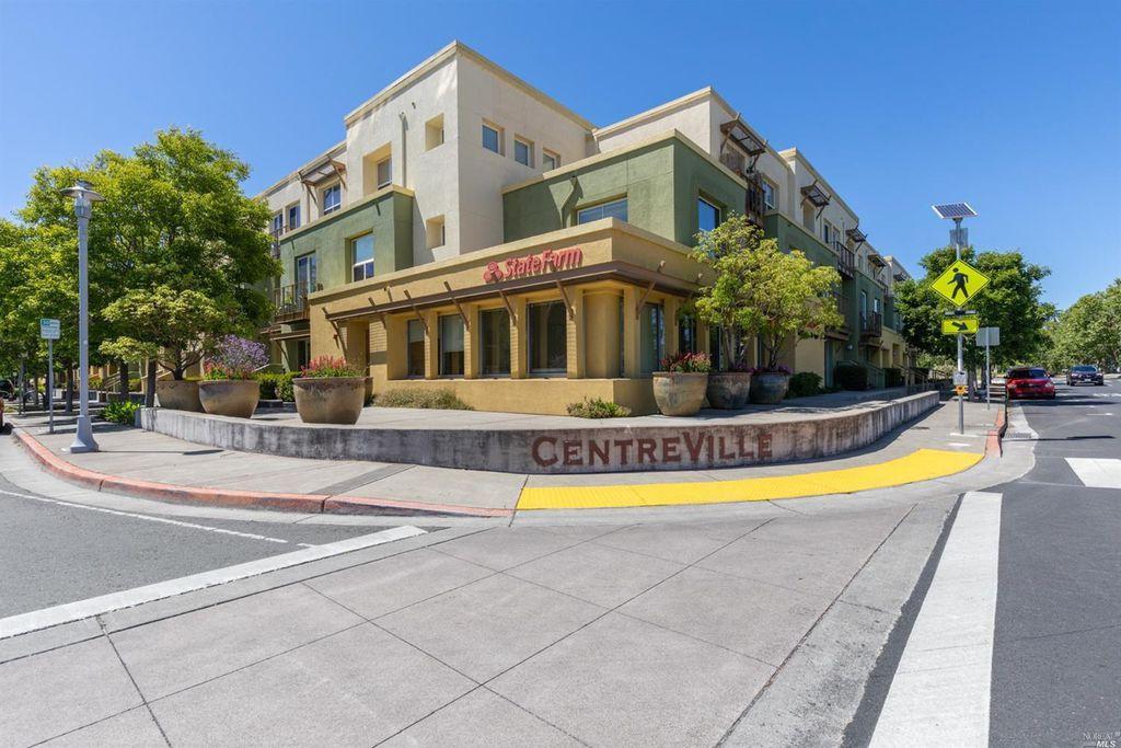 242 City Center Dr, Rohnert Park, CA 94928