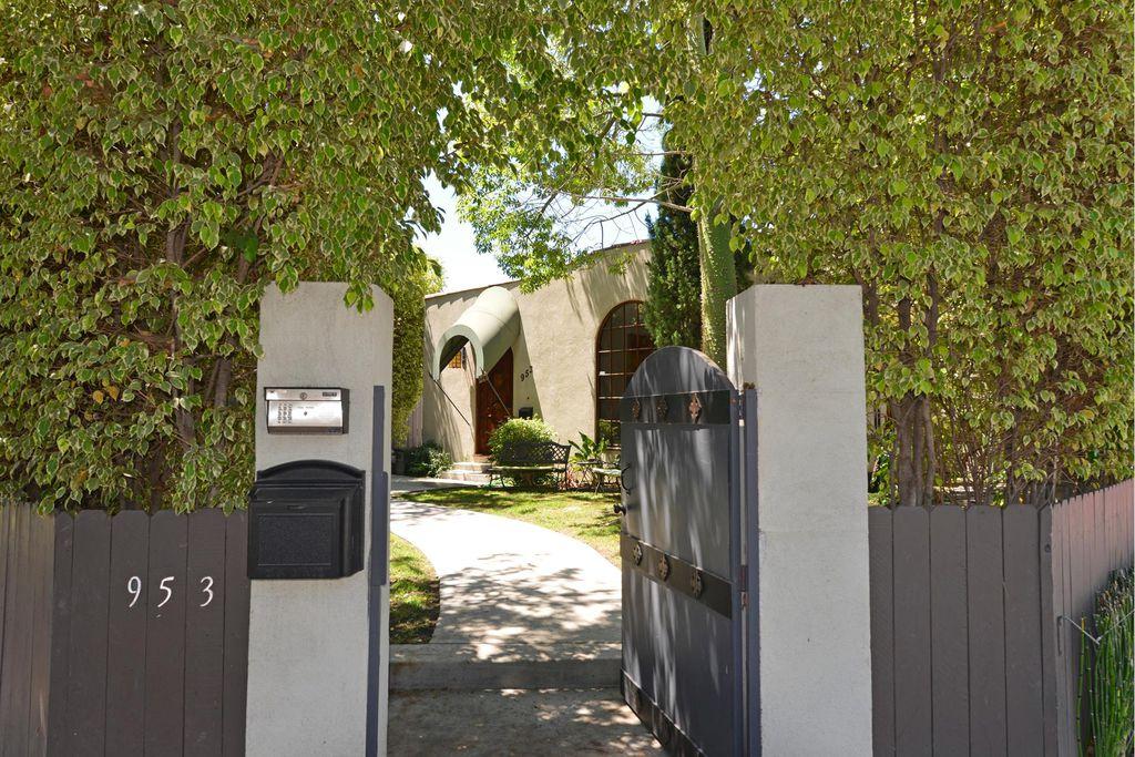 953 N Laurel Ave, Los Angeles, CA 90046