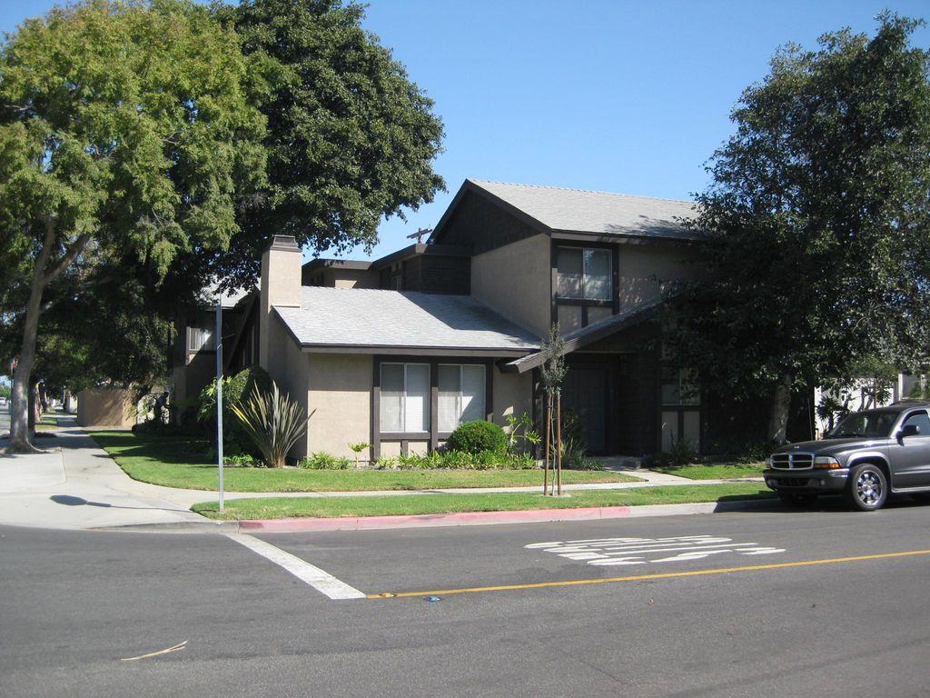 5706 E Stearns St, Long Beach, CA 90815