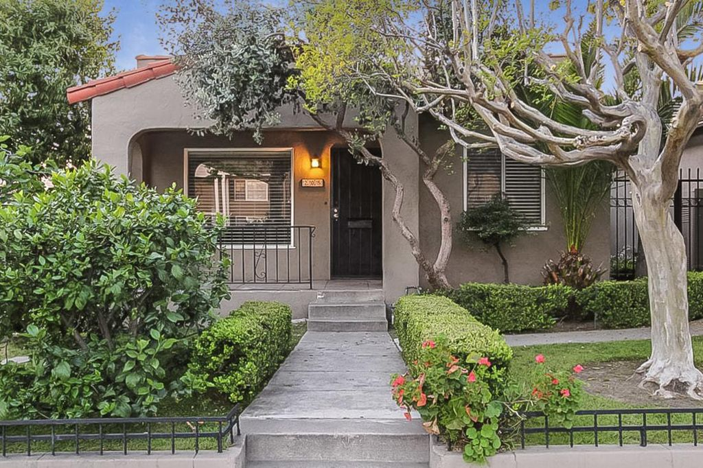 205 S Chevy Chase Dr, Glendale, CA 91205