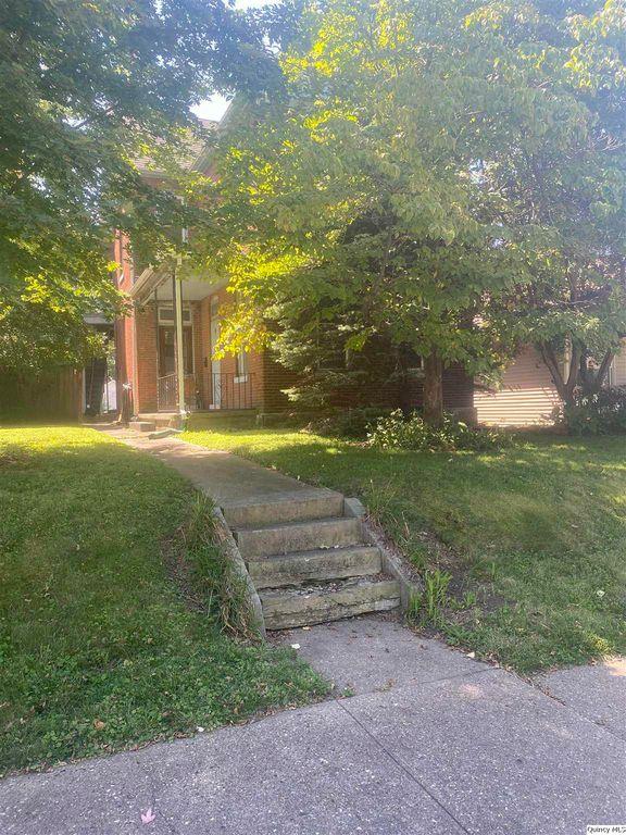 1124 Jefferson St, Quincy, IL 62301