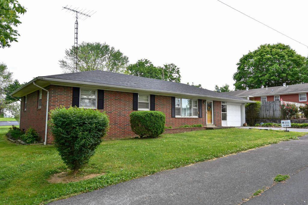 304 Ward Ave, Morgantown, KY 42261