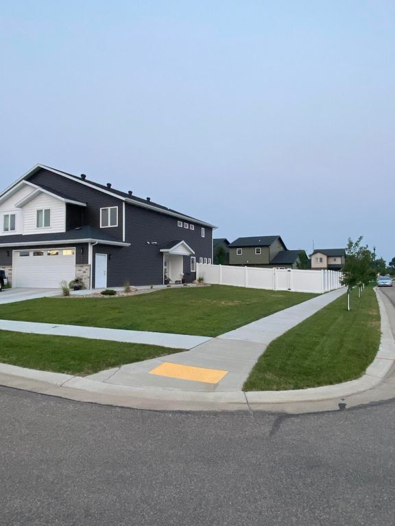 3825 Stacy Dr, City Of Bismarck, ND 58504