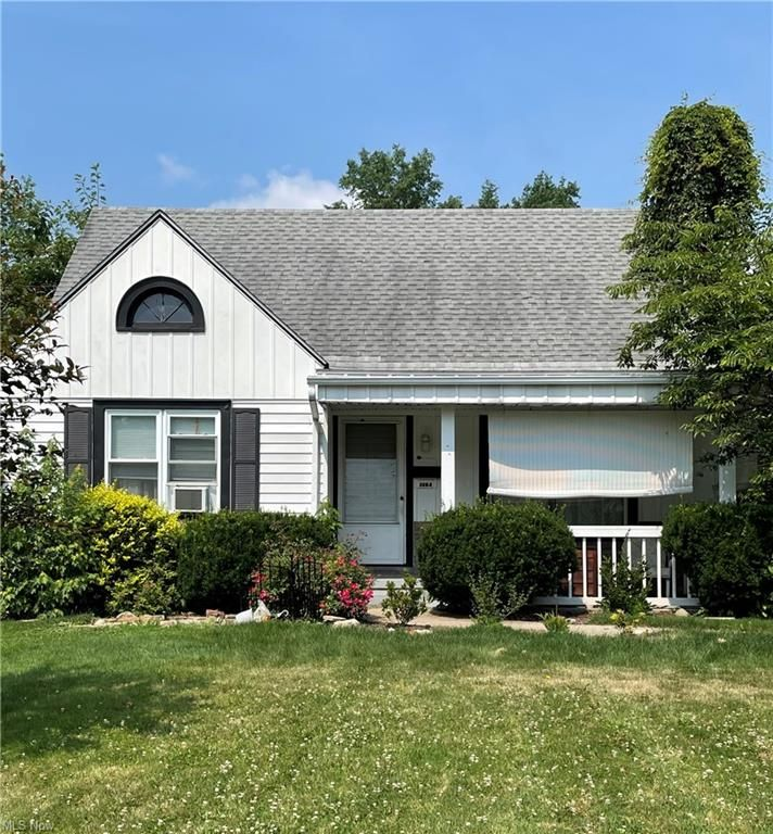 3604 Risher Rd, Youngstown, OH 44511