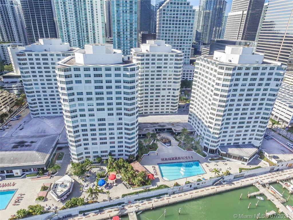 825 Brickell Bay Dr #546, Miami, FL 33131