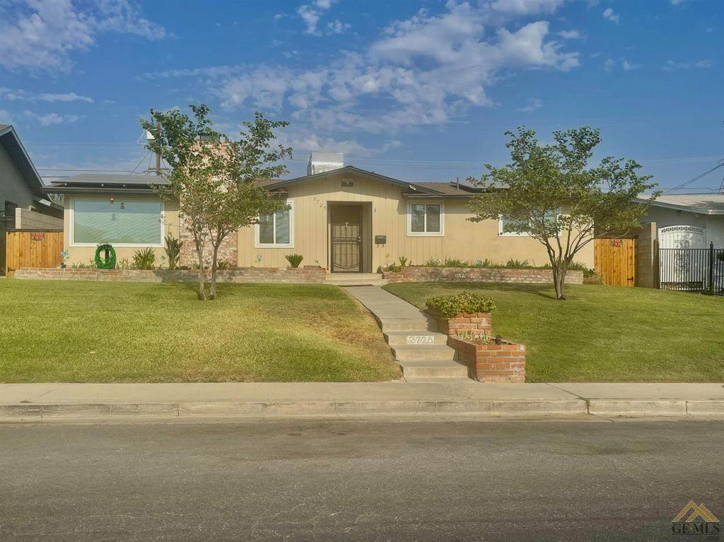2725 Occidental St, Bakersfield, CA 93305