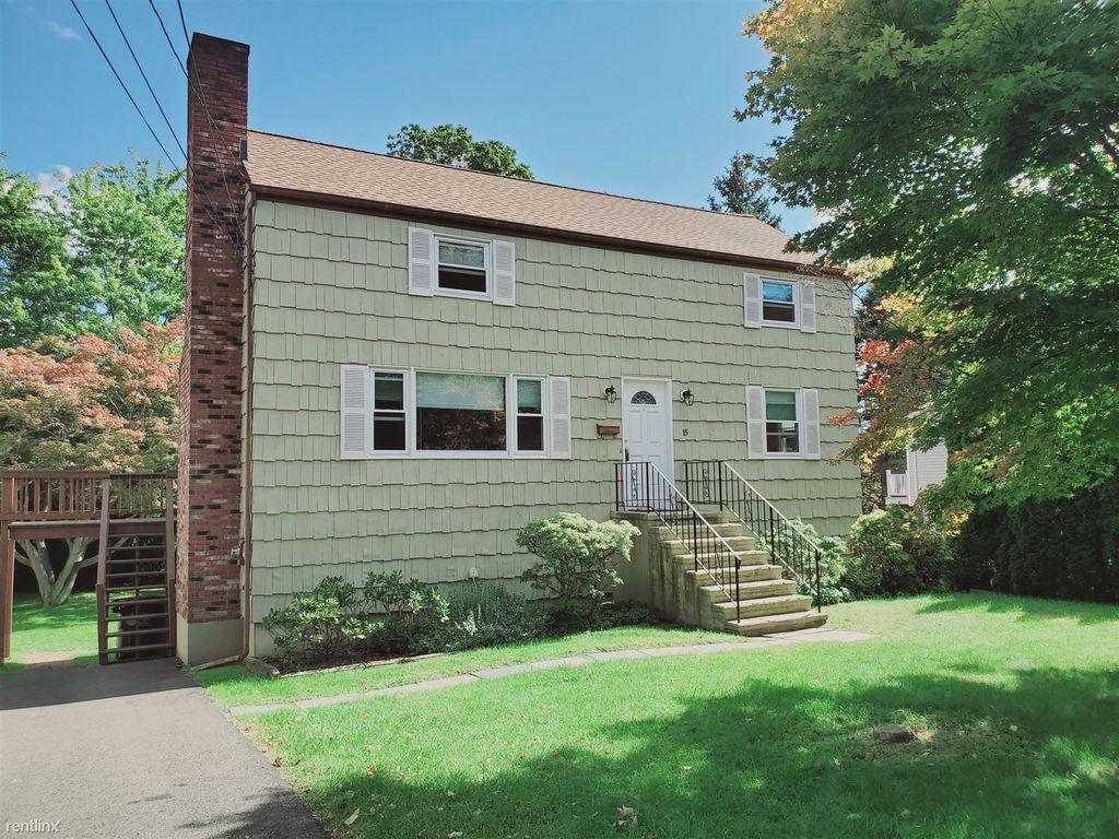 15 Barholm Ave, Stamford, CT 06907