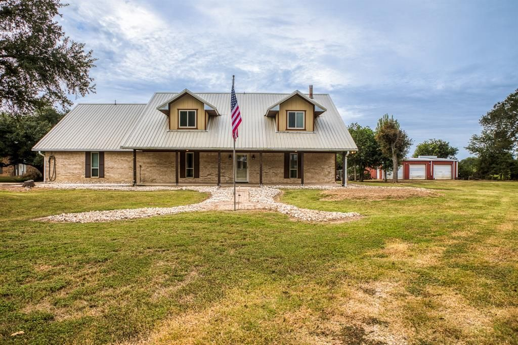 1043 Private Road 8045, Dime Box, TX 77853