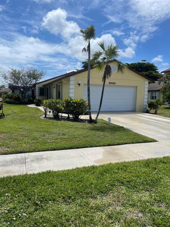 3890 Classic Ct N, West Palm Beach, FL 33417