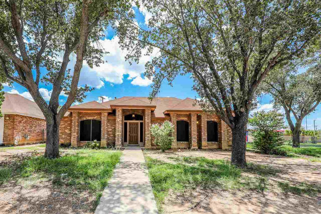 8601 Oakridge Loop, Laredo, TX 78045