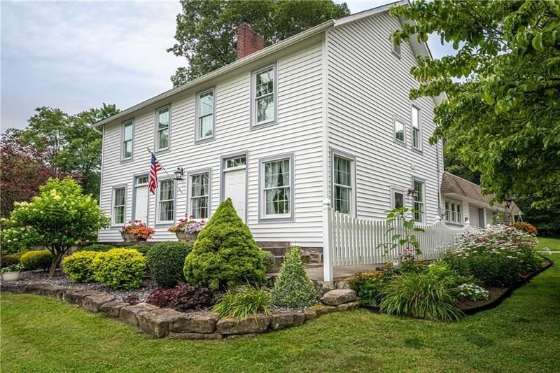 1361 Valley Rd, New Castle, PA 16105