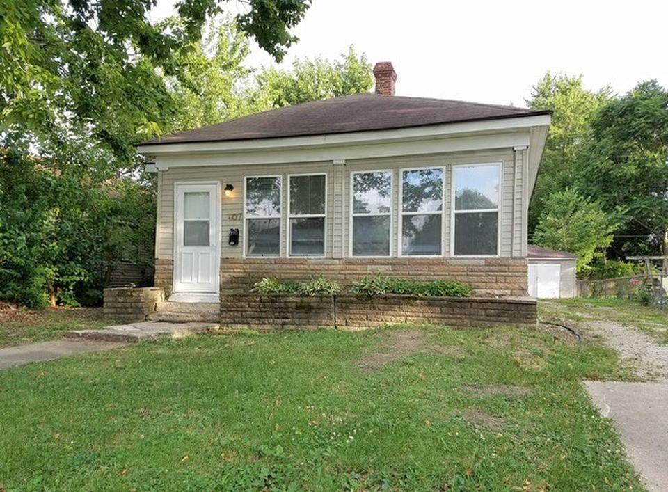 407 E Beardsley Ave, Champaign, IL 61820