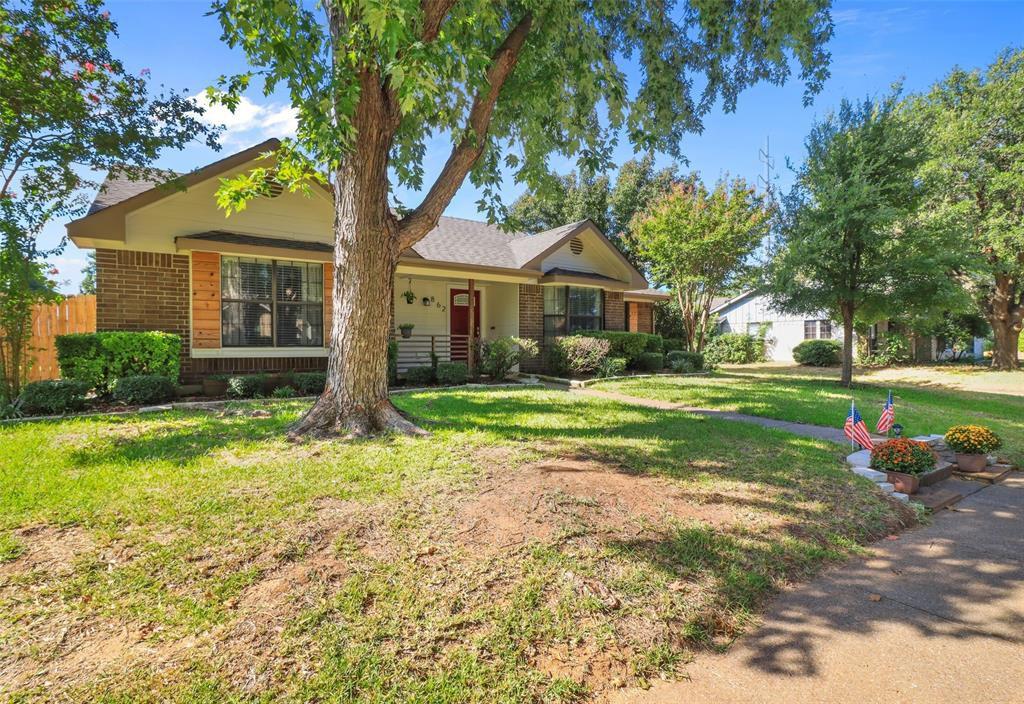 862 Meadowlark Dr, Lewisville, TX 75067