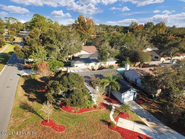 1613 Roberts Dr, Jacksonville Beach, FL 32250