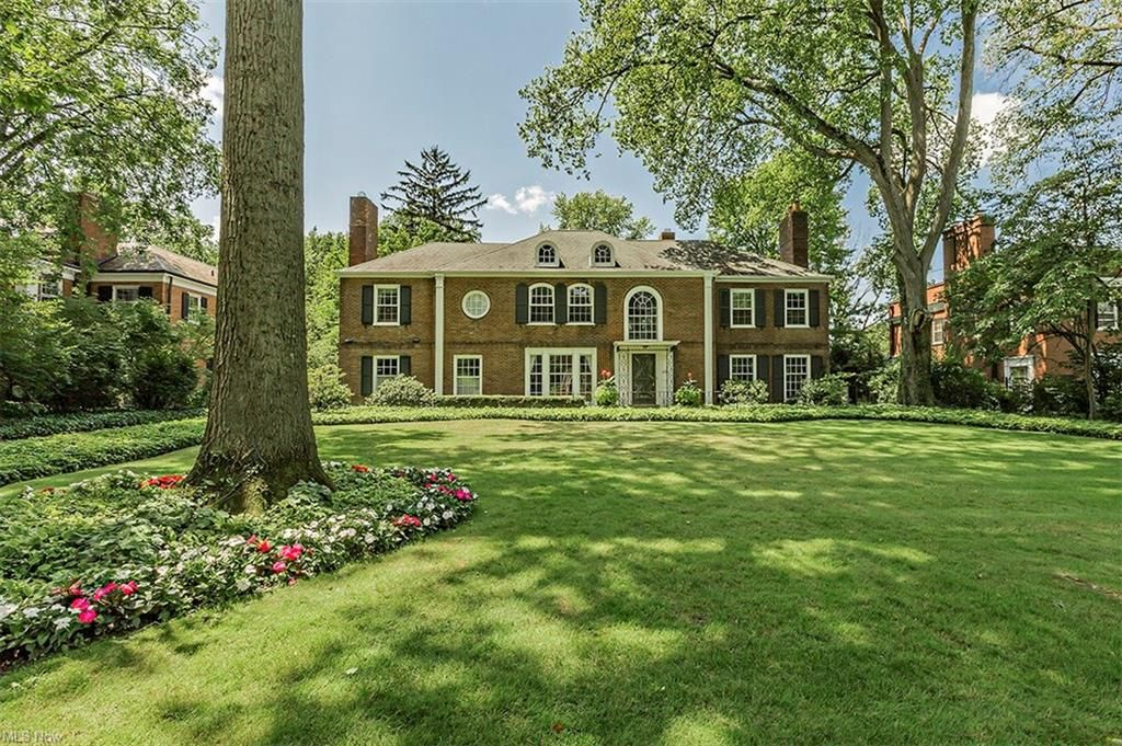 2720 Chesterton Rd, Shaker Heights, OH 44122