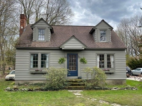 382 Maple St, Hinsdale, MA 01235