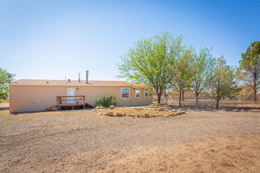 3209 Cholla Dr, Roswell, NM 88203