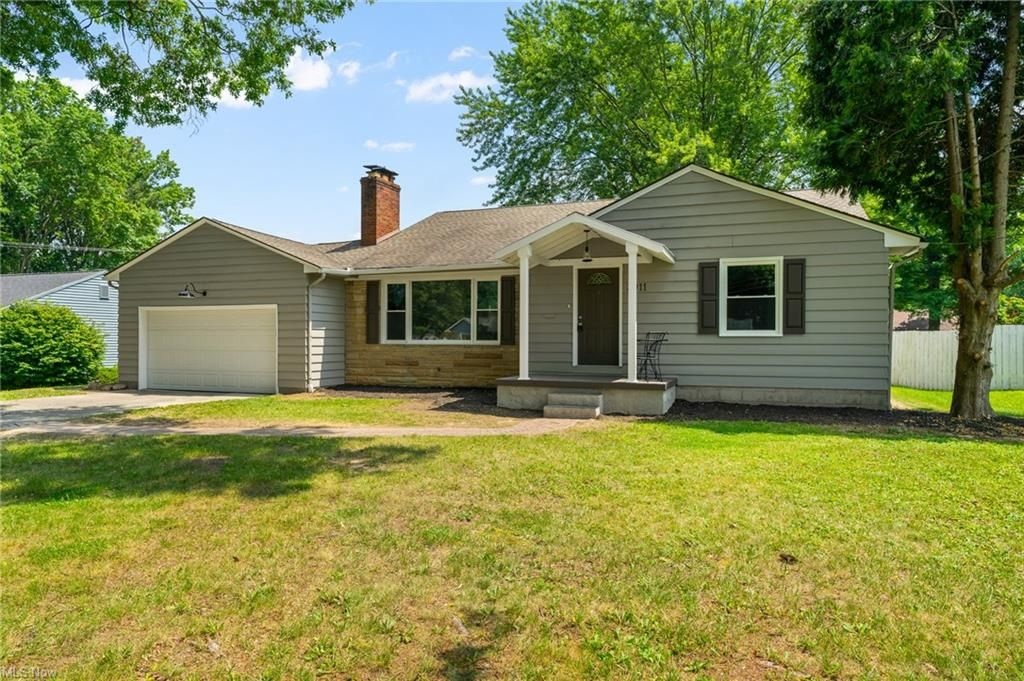 3911 Arden Blvd, Youngstown, OH 44511