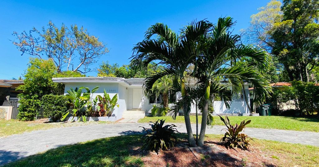 12887 Griffing Blvd, Miami, FL 33161