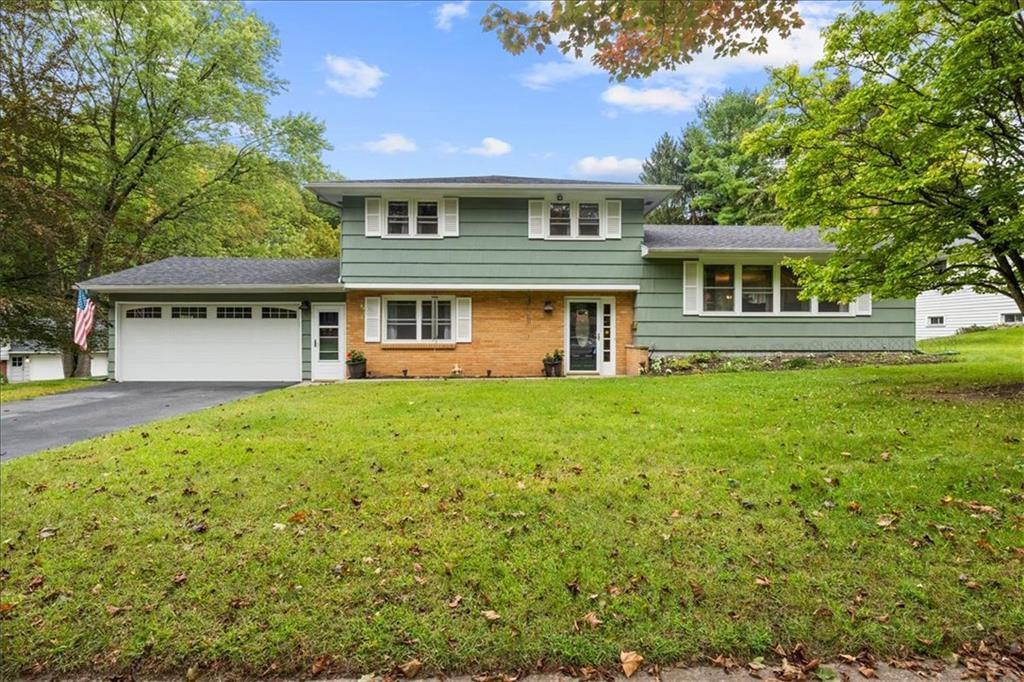 320 Larkspur Ln, Rochester, NY 14622
