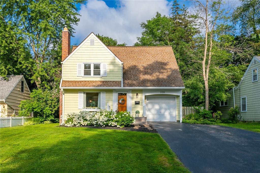 208 Village Ln, Rochester, NY 14610