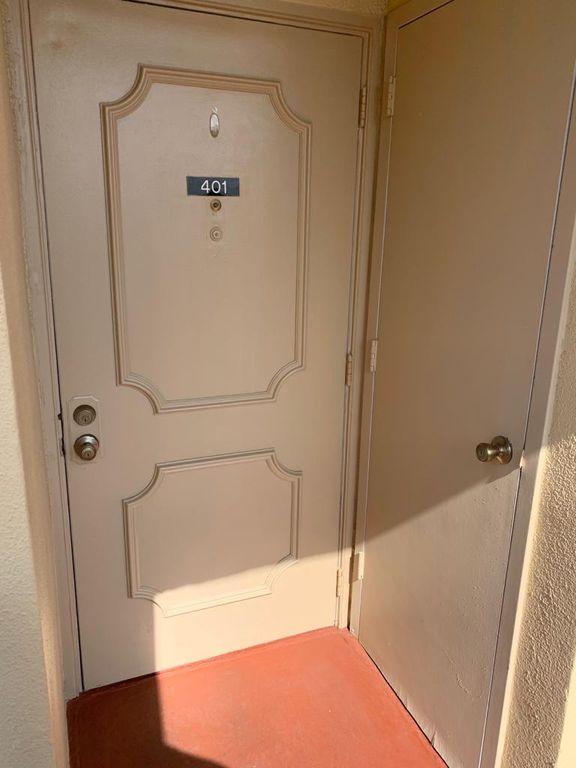 3524 Via Poinciana #401, Lake Worth, FL 33467