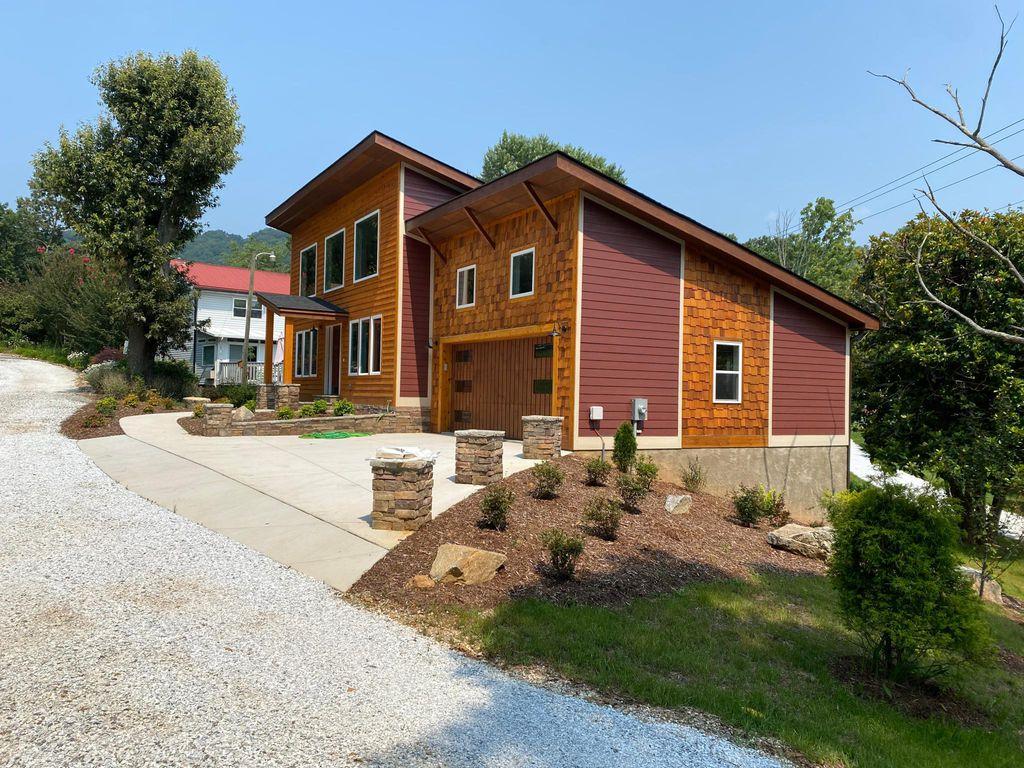 128 Blair Whitley Cir #128, Asheville, NC 28803