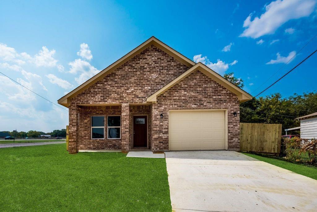 3901 Baylor St, Fort Worth, TX 76119