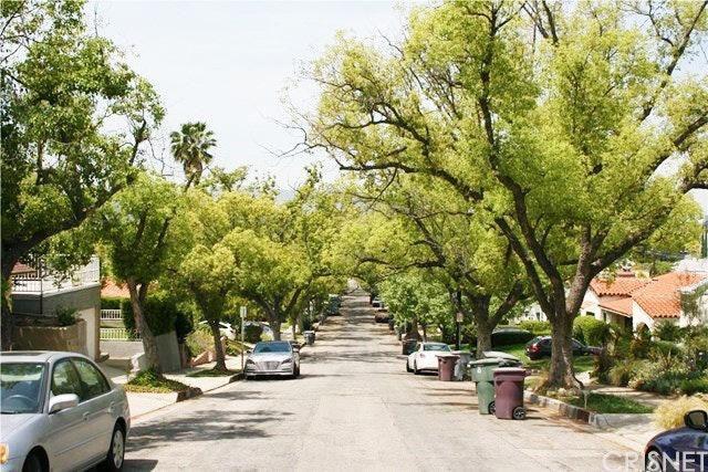 1517 E Garfield Ave, Glendale, CA 91205