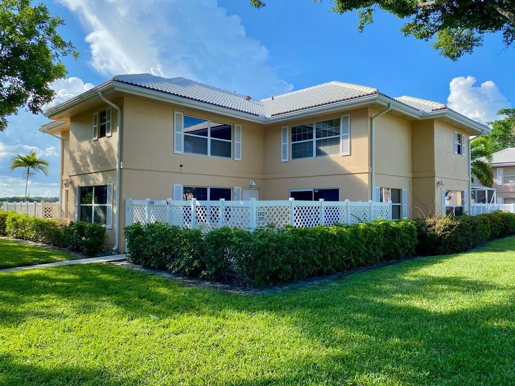3111 Kingston Ct, West Palm Beach, FL 33409