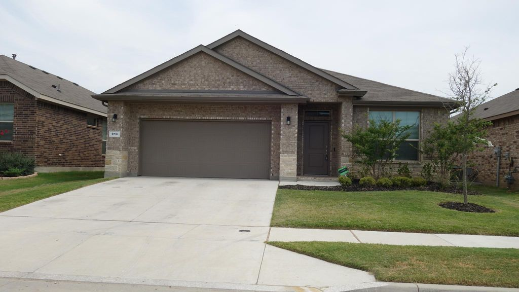 913 Stamford Way, Justin, TX 76247