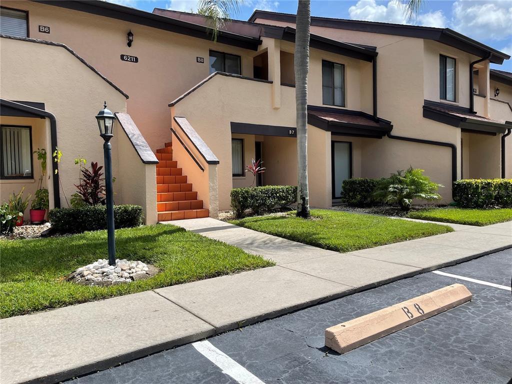 6211 Timber Lake Dr #B8, Sarasota, FL 34243