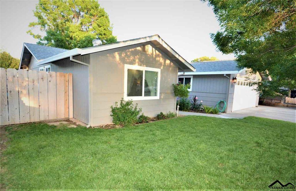 370 Christina Dr, Red Bluff, CA 96080