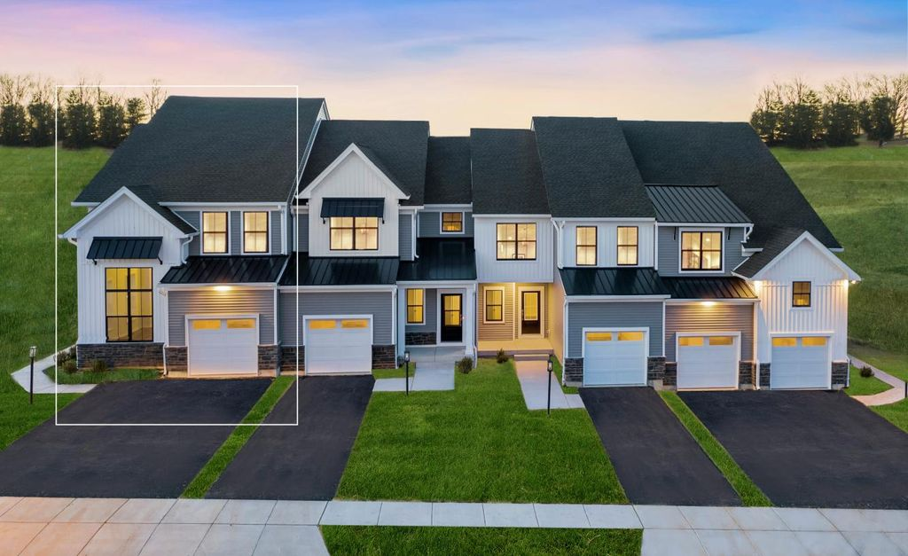Cresheim Plan in Reserve at Center Square - The Villages Collection, Norristown, PA 19403