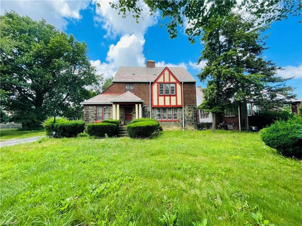 3038 Martin Luther King Jr Dr, Cleveland, OH 44104