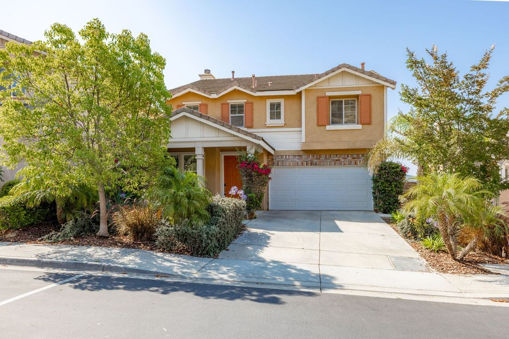 733 Helmsdale Rd, San Marcos, CA 92069