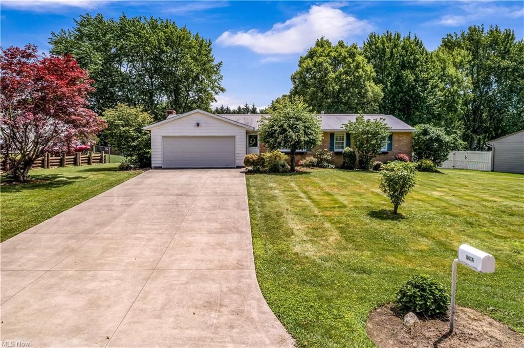 8414 Kellydale St NW, Massillon, OH 44646
