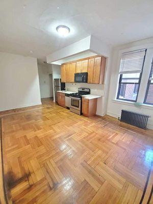 724 E 27th St #F2, Brooklyn, NY 11210
