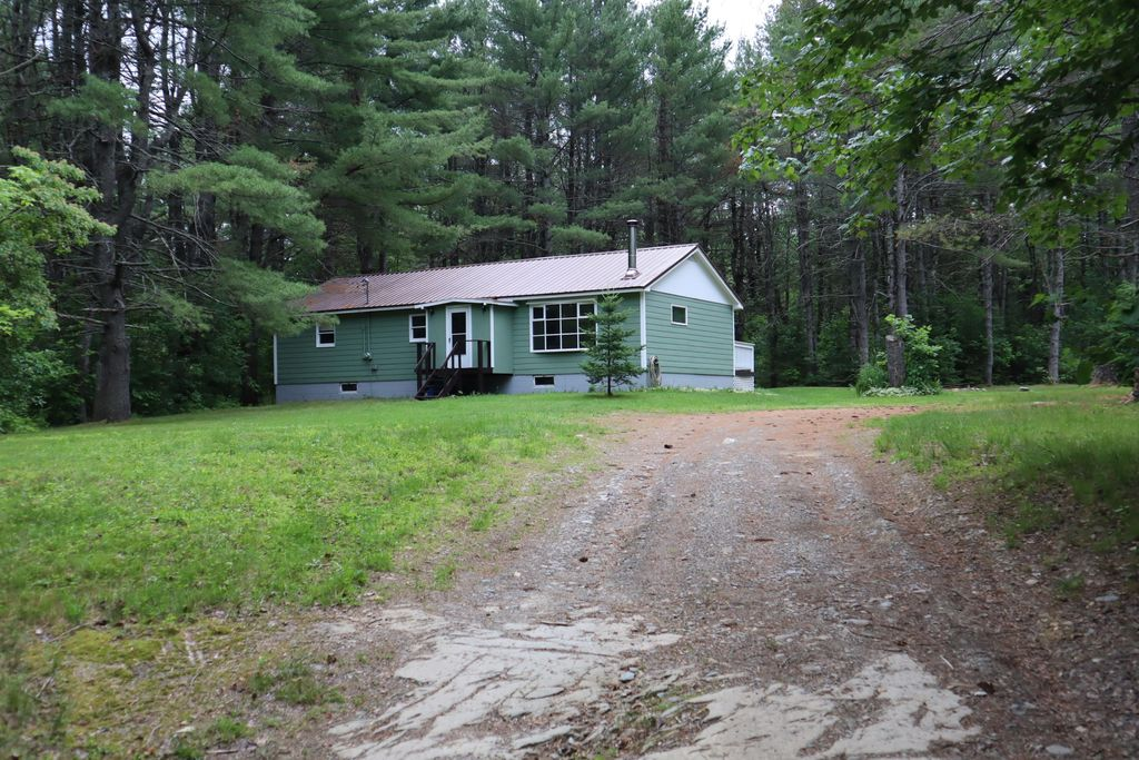 1396 Stage Rd, Etna, ME 04434