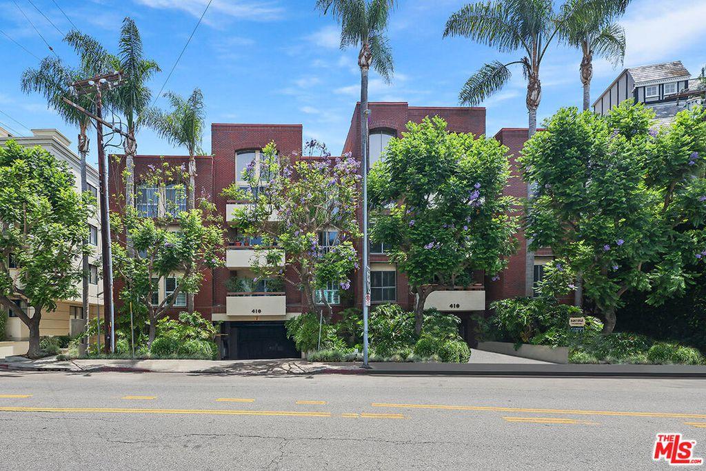 410 S Barrington Ave #206, Los Angeles, CA 90049