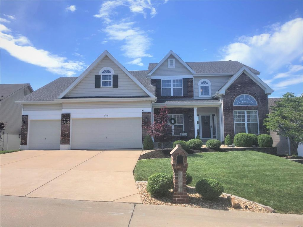 2415 Driftwood Ct, Imperial, MO 63052