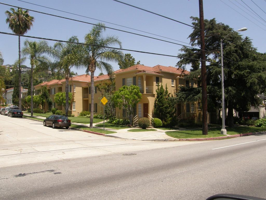 3302 N Tica Dr, Los Angeles, CA 90027